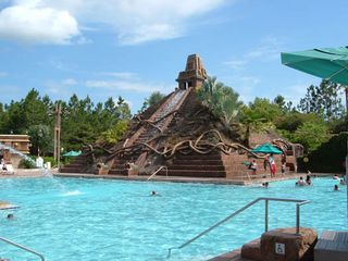 Disney-coronado-springs-resort-pool